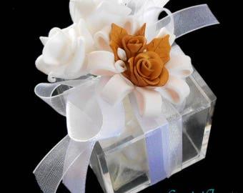 Wedding favor wedding, plexiglass box with handmade fimo and confetti