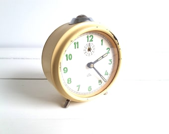 Vintage alarm clock yellow beige 'Growa'