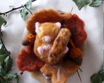 Felt mouse, cute mouse, sleepy mouse, needle felt mouse, wool mouse, hand made mouse, mouse ornament, dormouse, felt dormouse, ooak