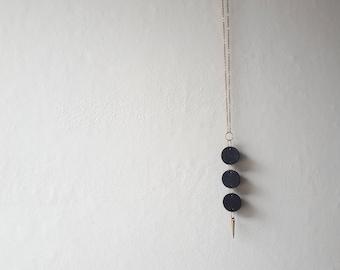 moon . trio . necklace