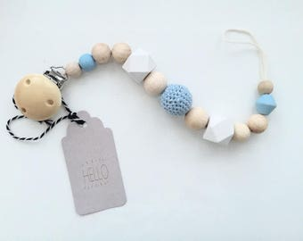 Dummy pastel with crochet beads