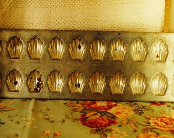 Old French tin MOLD for 20 MADELEINES
