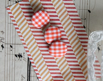 3 white and orange gingham fabric covered buttons, vintage, diameter 2 cm, retro button, 207