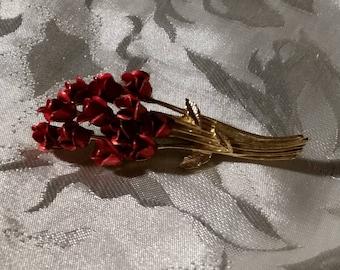 Dozen Red Roses Brooch DM©97 Bouquet. Powder Spray Red Rose Buds, Gold tone metal stems.