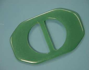 Vintage 1950s green plastic buckle for your sewing prodjects