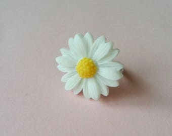 Pretty Daisy ring
