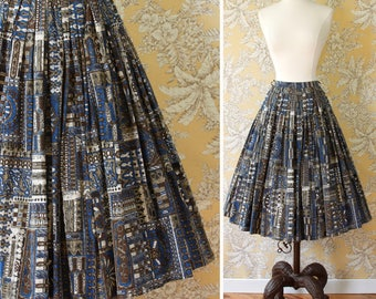 vintage 1960s skirt <> 1960s cotton print skirt <> early 60s cotton full skirt <>  cotton vintage skirt in blues and browns with batik look