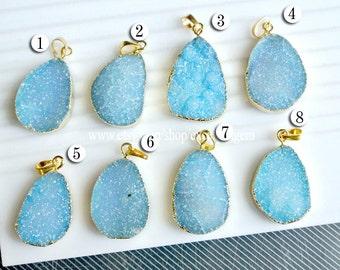 Druzy, Druzy pendant, 7% off Druzy agate pendant, Gold Plated Edge agate pendant, light blue druzy pendant, JSP-9294