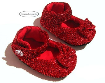 Red Baby Shoes, Pregnancy Reveal, Soft Sole Baby Shoes, Sparkly Baby Girl, Baby Shoes with Bow, Wizard Of Oz, Handmade Shoes, Mary Janes