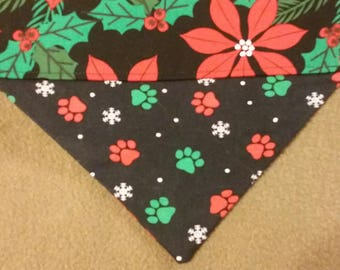 SALE! Reversible Poinsettia Paw Print Christmas Dog Bandana!!