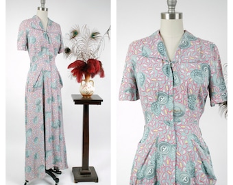 Vintage 1940s Dressing Gown - Darling Printed Cold Rayon Zip Front Late 40s Houserobe with Medallion Print