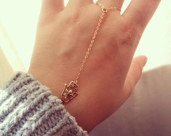Dainty Gold Hand Chain, Hamsa Hand Bracelet, Gold Filled, Slave Bracelet, Finger Chain, Everyday Delicate Jewelry, Finger Bracelet, Decliate