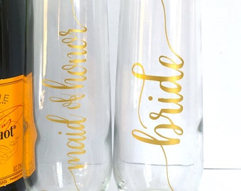Bridal Champagne Flutes - Personalized Bridesmaid Maid of Honor Bride Wedding Glasses - Gold Stemless Flutes Bridal Party Gift