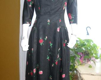 1950's Black Floral WIGGLE DRESS in Silk--- No Label