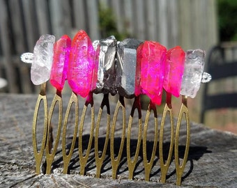 MINI masterpiece - handmade hair comb with beautiful vibrant hot pink, silver and clear raw quartz