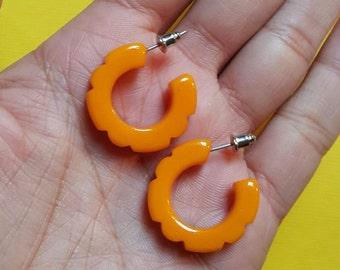 Hazel fakelite hoop stud earrings -egg yolk