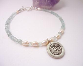 Aquamarine Freshwater Bracelet OM Pendant Bracelet Beaded Bracelet Gemstone Bracelet Stackable Bracelet Gift for her