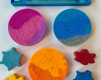 Frozen Themed Rainbow Crayons