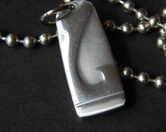 Pendant, brushed silver with L shape