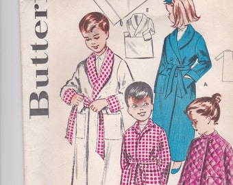 1960's Sewing Pattern - Butterick  9056 Childs Dressing Gown/Robe size 6 factory folded complete