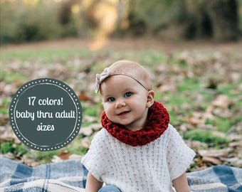 Baby Girl Christmas Outfit . Baby Scarf . Toddler Christmas Outfit . Red Toddler Scarf . Baby First Christmas . Red baby Scarf Crochet cowl