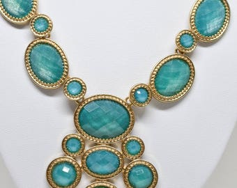 Gorgeous Green Gold Tone Necklace