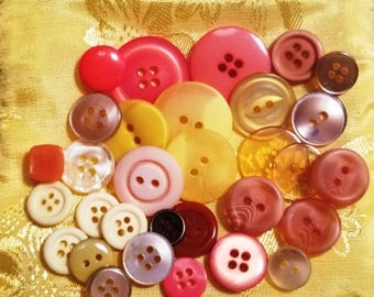 Mixed lot of Yellow and Orange buttons