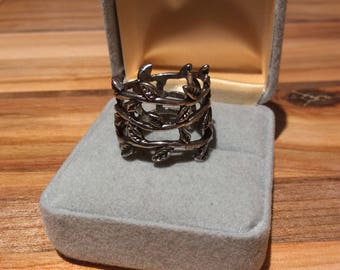 Pretty Vine Ring
