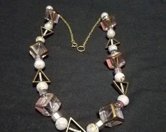 Chunky geometric necklace