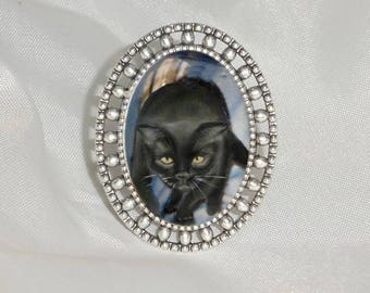 ring with cat: black cat
