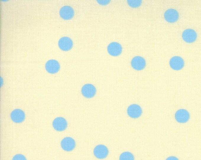 SALE!! Fat Quarter Barcelona - Dots in Cream and Blue - Cotton Quilt Fabric - Zen Chic for Moda Fabrics - 1535-26 (W589)