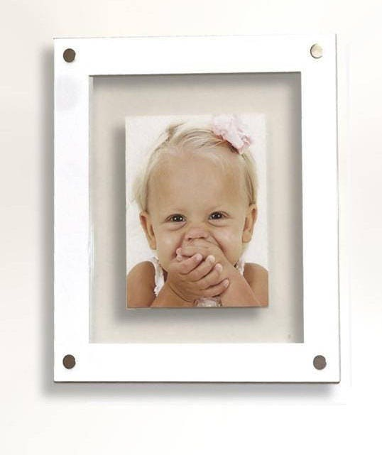Floating 3D Acrylic wall mount 10 x 8 /25 x 20 cm /8 x 10 picture ...