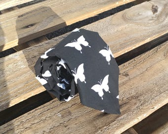 Black and White Butterfly Tie, Butterflies Necktie, Silhouette Necktie, Black and White, Black Necktie, White Butterflies