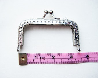 8.5 cm/3.375 inch shiny silver rectangular purse frame kiss lock clasp snap clutch antique emboss sew on in holes for diy knit crochet craft
