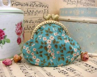 Coin purse clutch in spring blue/green with little white flowers, kiss lock purse