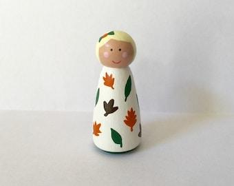 Fall peg doll girl - Autumn - falling leaves - seasonal decor - peg people - wooden dollhouse - leaf pattern - wooden toy - handpainted