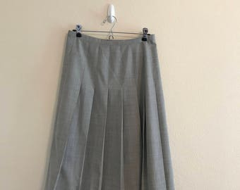 90's laundry by shelli segal Pleated Grey Skirt