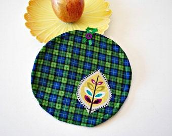 Green Leaf Pot Holder, Home Living, Kitchen Dining, Cookware Hot Pad,Trivets Pot Holders, Oven Mitts, Handmade Mug Rug, Gift Ideas