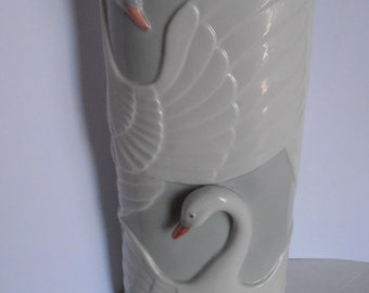 STUNNING vase with Swans in relief Mother's day