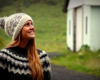Icelandic wool hat, White, Grey, pom pom, Cozy, Knit, Handmade, MADE TO ORDER