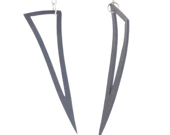 Tri-dangle: reused, recycled truck inner tube earrings