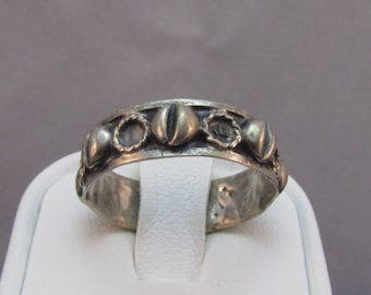 Sterling Silver Seashell Band Ring size 6