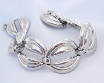Vintage Monet Bracelet Silver Tone 1980s Retro Link Bracelet Contemporary Style