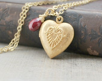 Gold Heart Locket, Gold Locket, Gold Photo Locket, Vintage Jewelry, Ruby Locket, July Birthstone Locket, Gold Picture Locket Pendant