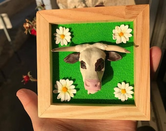 Magnetic wooden frame with cow & daisies