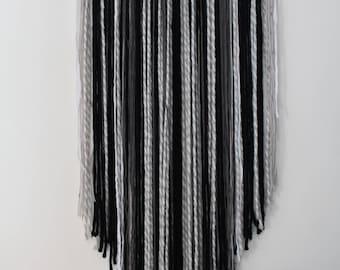 Woven wall hanging / wall hanging / fringe / minimalist / VEGAN / boho / wall art / minimalist