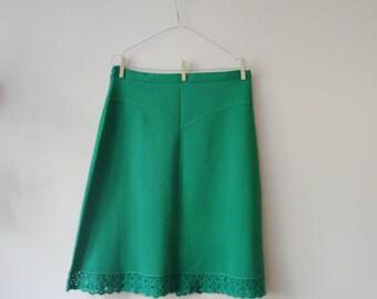 Vintage 70s Crimplene Skirt/Bold Green Skirt/A-Line Skirt/Crimplene Midi Skirt/Large Size Skirt/Crocheted Lace Skirt/Autumn Skirt/1970s