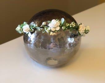 Flower crown, white floral crown, white flowered crown, wedding flower crown, floral crown, flower girl crown, wreath, custom crown