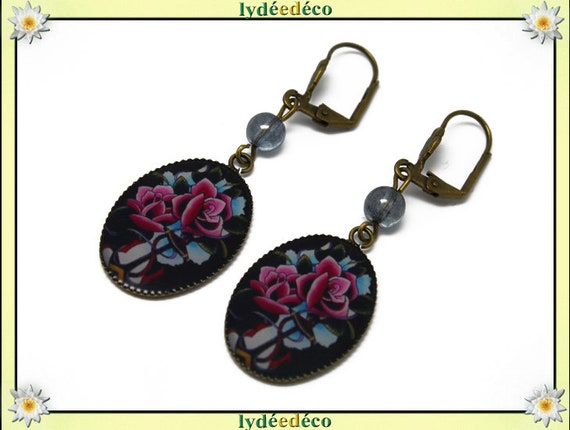 Earrings retro vintage flowers Old School pink blue black bronze resin pendants 18 x 25mm glass beads