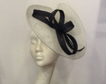 Fascinator black and gray ceremony shape double scrolls